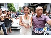 2011鹹豬手事件簿:王菲張栢芝被當眾非禮!