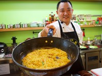 台灣味烹飪教室 國宴主廚陪逛菜市場、DIY黃金埔里米粉