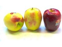 紅蘋果放冰箱「卸妝」變青色? 水果商:可能碰到染劑