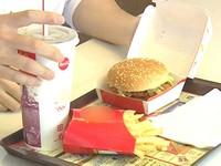 為了一張餐巾紙 美男怒向麥當勞求償4500萬元
