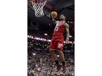 NBA/「熱身爆扣秀」不停歇 詹姆斯:這是種享受