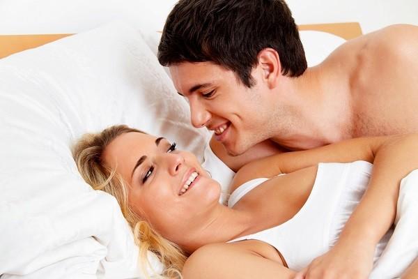 结婚5年无子! 洁癖男嫌女下体脏又臭...只在被子上磨擦
