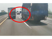 BMW大7國道「切入急剎」挑釁馬自達!害5車追撞…他就跑了
