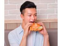 肯德基新推「魚子醬咔啦雞腿堡」限時42天份量加大35%
