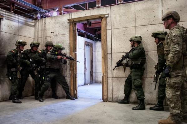 美國陸軍特種部隊「綠扁帽」進行演練。(圖/翻攝自US army官網)