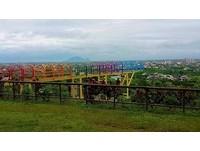 俯瞰蘭陽平原新去處!宜蘭首座「彩虹玻璃天空步道」啟用