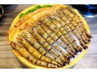 宜蘭精緻火鍋還有兒童遊樂區 299元就可加購15隻蝦!