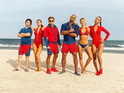 《海灘救護隊》看點整理!除了「比基尼慢跑」還有更多