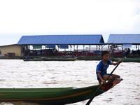 吃喝拉日常全在湖上 柬埔寨洞里薩湖「水上人家」奇景