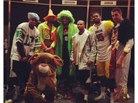 NBA/暴龍也瘋「哈林搖」 全隊瘋狂失控扭下去