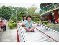 最新「溜滑梯」景點在台南!麻豆代天府竟有滾輪溜滑梯