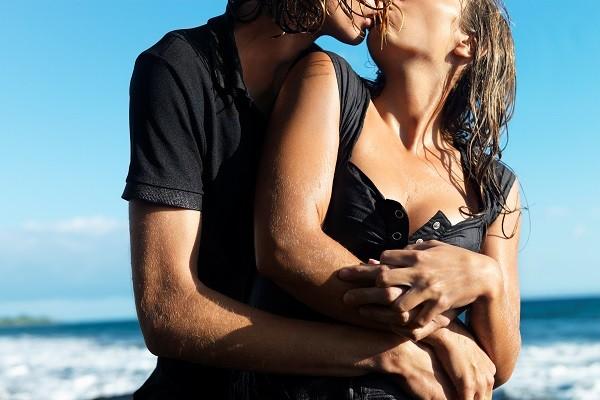 性愛,做愛,野戰,野炮,接吻(圖/達志/示意圖)