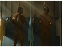 全裸沐浴5分鐘!伊藤英明《海猿》秀精壯肉體
