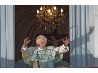 教宗本篤十六世正式退位 自許永遠的朝聖者