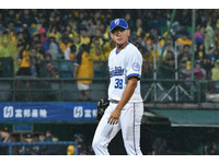 影/黃亦志被蔣智賢敲全壘打 連8場挨轟破紀錄