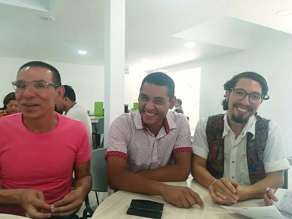 ▲▼哥倫比亞通過國內第一件三人同性婚姻。(圖/翻攝自推特Manuel José Bermúdez)