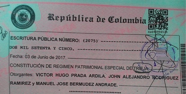 ▲▼哥倫比亞通過國內第一件三人同性婚姻。(圖/翻攝自臉書Vikhugo Prada)