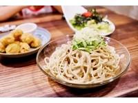 台南設計感咖啡廳 竟藏著超香皮蛋涼麵!