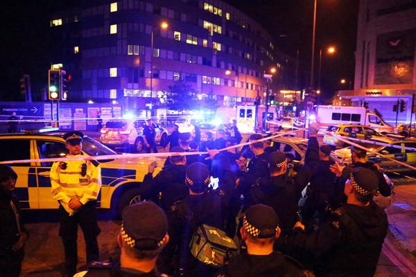 ▲▼英國倫敦19日再發生貨車輾人事件,目擊者稱兇嫌不斷大喊「要殺光所有穆斯林」。(圖/路透社)