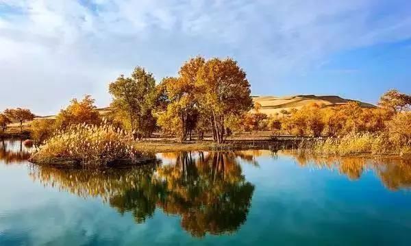 ▲中國大陸最長的內陸河塔里木河。(圖/翻攝自中華人民共和國國家旅游局)