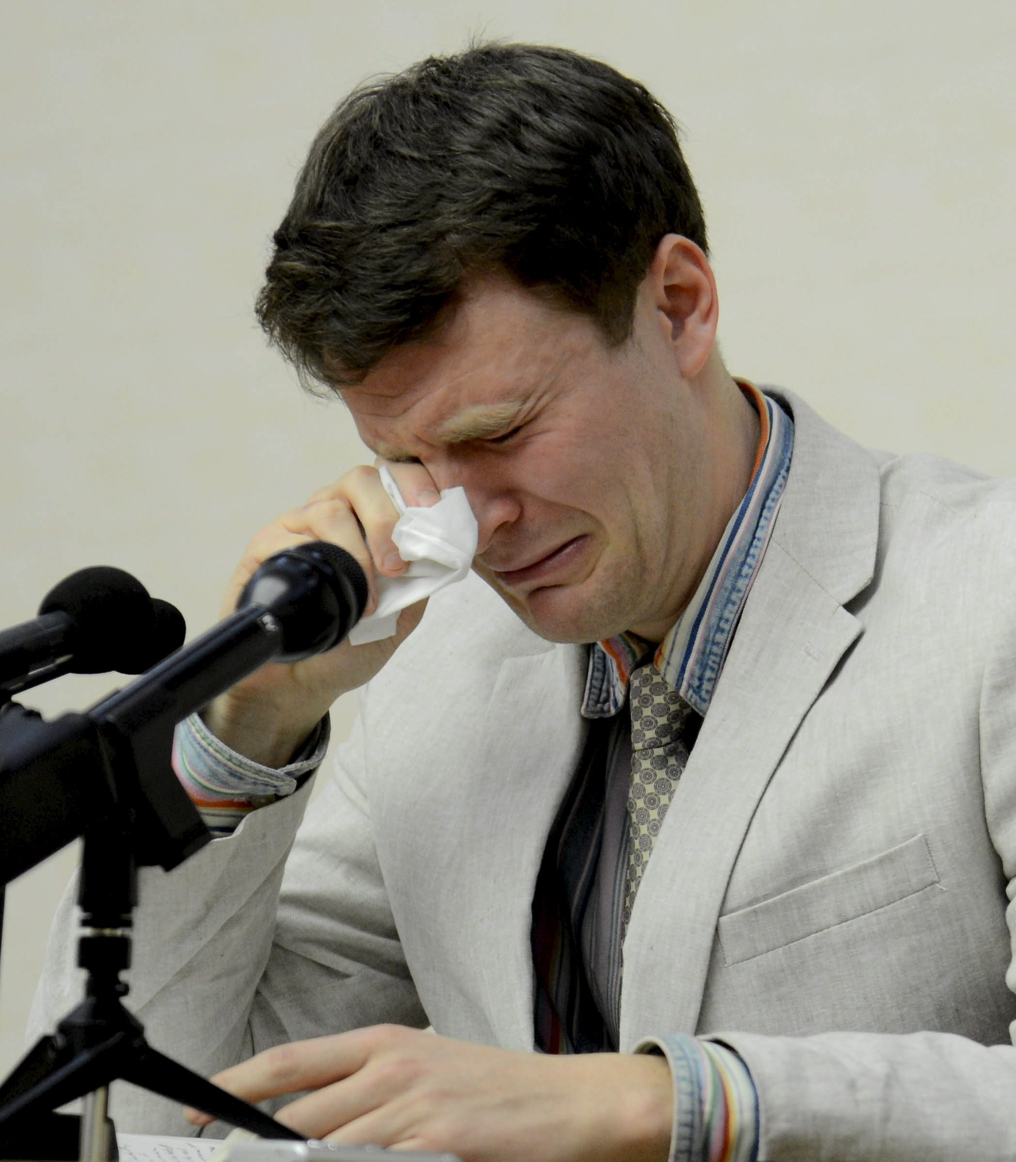 美國已逝男大生Otto Warmbier在北韓受審時的情況。(圖/CFP)