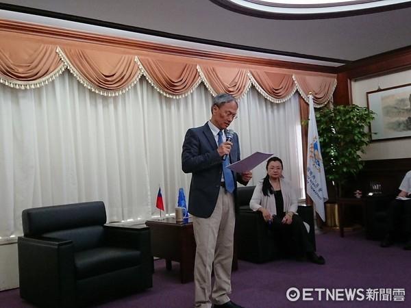 ▲僑委會委員長吳新興。(圖/記者翁嫆琄攝)