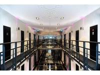 荷蘭舊監獄拉皮變身精品旅館 體驗吃牢飯監獄風雲