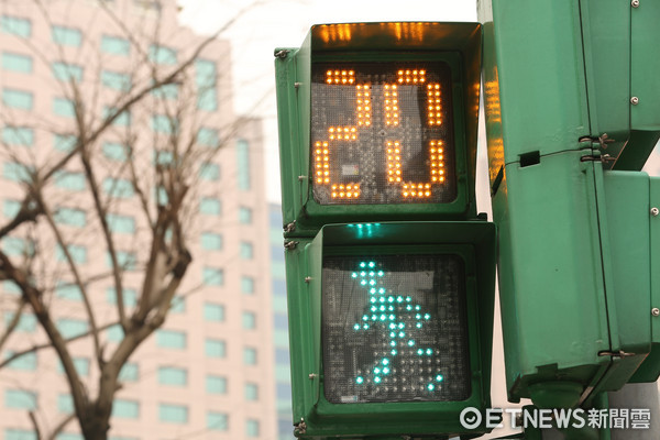 小綠人,紅綠燈,小綠人生日,行人號誌(圖/記者李鍾泉攝)(原1674517)