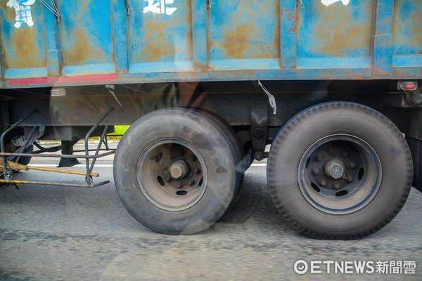 ▲配圖_交通安全,高速公路行駛,重承載,貨車,卡車(圖/ETNEWS資料照)