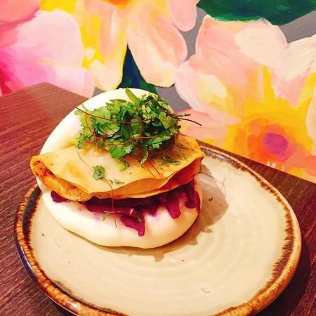 ▲台灣刈包在倫敦超紅!英國人大推「豆腐包比肉的更好吃」。(圖/BAO BAO臉書)