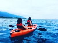 海中划獨木舟玩帆船 台東「都蘭海角咖啡」療癒一夏