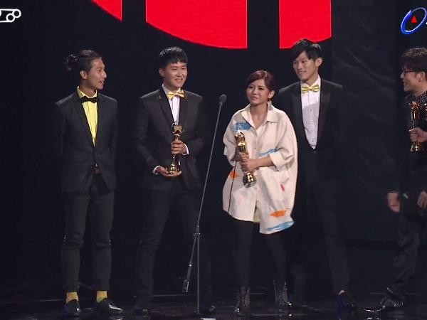 第28屆流行音樂金曲獎頒獎典禮二本貓。(圖/翻攝自YouTube)