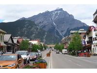 住在畫裡不容易 不小心用情太深的加拿大小瑞士班夫小鎮