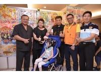 壽山巖觀音寺繪畫比賽頒獎 多重身障小朋友林育圻獲雙料冠軍