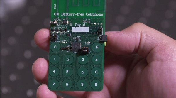 ▲▼不用充電,不用電池就能通話的手機。(圖/翻攝自Paul G. Allen School Youtube)
