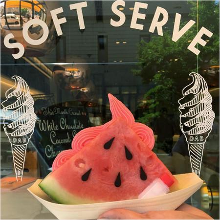 日本限定「西瓜霜淇淋三明治」超消暑 網友:我先融化(圖/翻攝自ig)