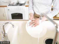 嬌貴小姑不洗碗還怒瞪 她「親手報仇」直喊:真的好爽!