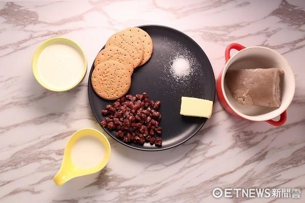 芋泥甜點再進擊!沒有烤箱也能做超犯規芋泥紅豆蛋糕