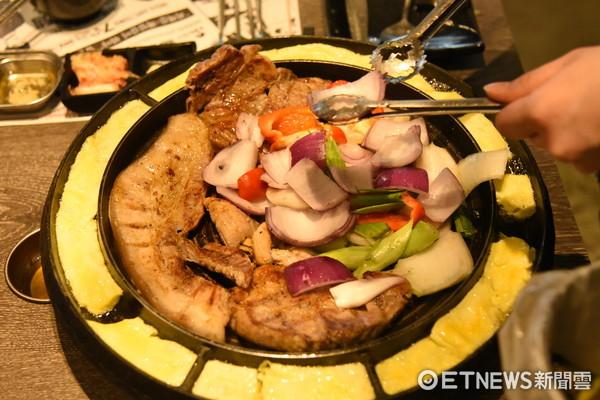 肉在空中盪鞦韆!120cm霸王串燒 雞豬海鮮1串全吃失掉