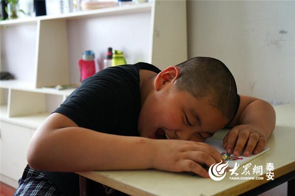 ▲小學生的血汗暑假 2天上9種才藝班...模特兒課到底啥鬼?。(圖/翻攝大眾網)