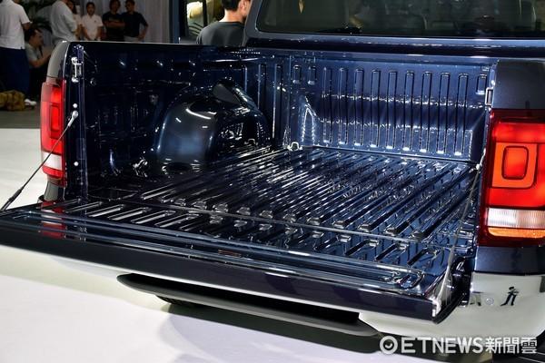 預接單價159.8萬元起的越野巨無霸!福斯Amarok V6預計第四季登台(圖/記者游鎧丞攝)
