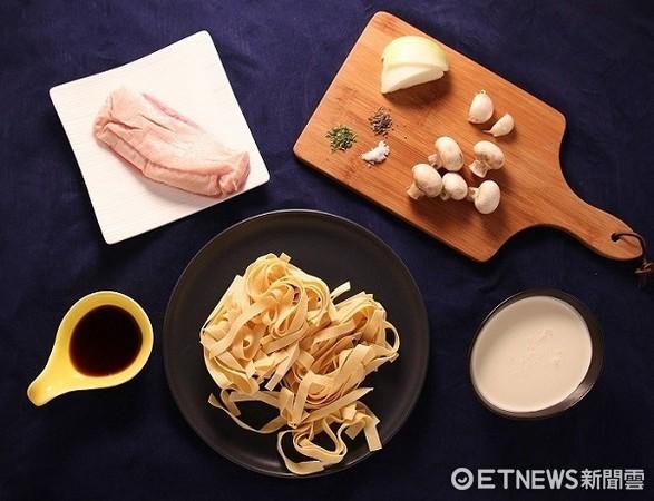 ▲煎鴨胸佐巴薩米克奶油寬麵。(圖/Uchef提供)