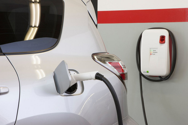 ▲「固態電池」加持!TOYOTA電動車2022年充電更快。(圖/翻攝自TOYOTA)