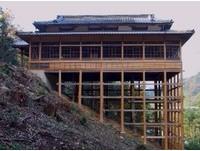 懸掛在陡坡上的文化資產 日本「少彥名神社」