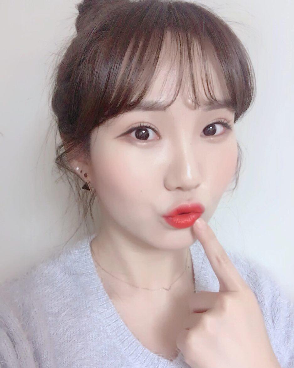 ▲果汁唇膏(圖/翻攝自_kimjaekyung_ IG、bobbibrownkorea)