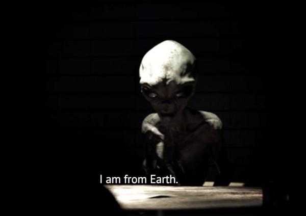 ▲外星人採訪影片曝光。(圖/翻攝自MeniThings YouTube)