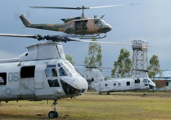 ▲▼UH-1直升機是美國貝爾直升機公司所設計製造的軍用中型通用直升機。(圖/達志影像/美聯社)
