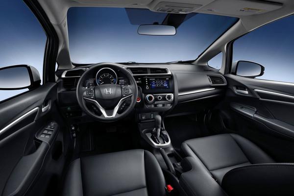 ▲頂規升級6氣囊!HONDA FIT掀背小改款預購開跑。(圖/翻攝自Honda)
