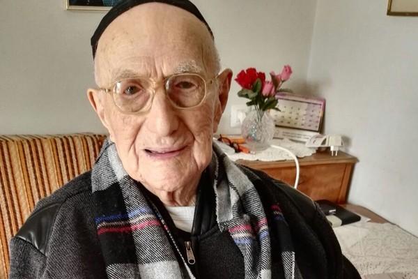 ▲▼世界最老阿公過世,活了113歲。(圖/CFP)