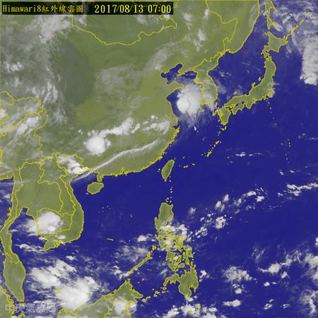 今熱台北高溫37度,下週一至週三更熱。(圖/中央氣象局)